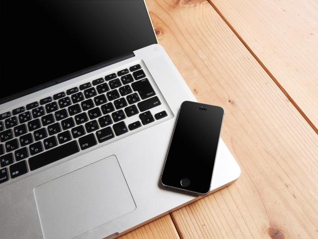 ホームページ制作はPCとモバイルに対応